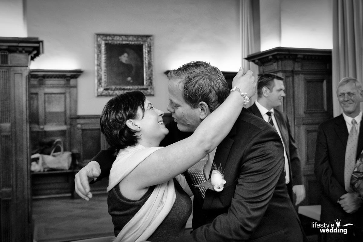 Standesamt-Düsseldorf Hochzeit Hochzeitsfotograf Alexander Arenz - Lifestylewedding